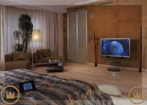 домашний кинотеатр с системой умный дом в комнате